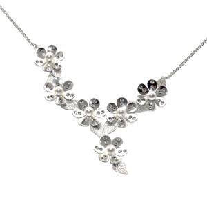 PRAQIA Stříbrný náhrdelník Pearl Blossom